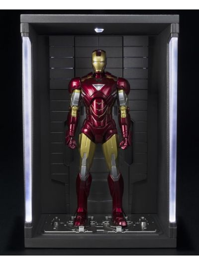SH Figuarts Iron Man 3 S.H.Figuarts Iron Man Mark VI & Hall of Armor Set - pr-4549660143451