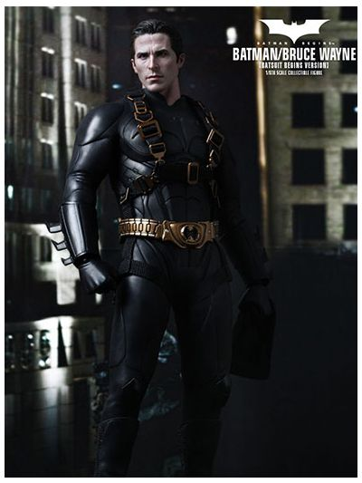 BATMAN BEGINS BATMAN/ BRUCE WAYNE (BATSUIT BEGINS VERSION) 1/6TH SCALE COLLECTIBLE FIGURE - MMS155MIB