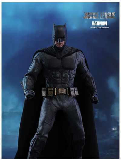 JUSTICE LEAGUE BATMAN 1/6TH SCALE COLLECTIBLE FIGURE - MMS455