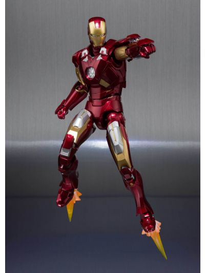SH Figuarts IRONMAN MK-7 AND HALL OF ARMOR - pr-4573102551009