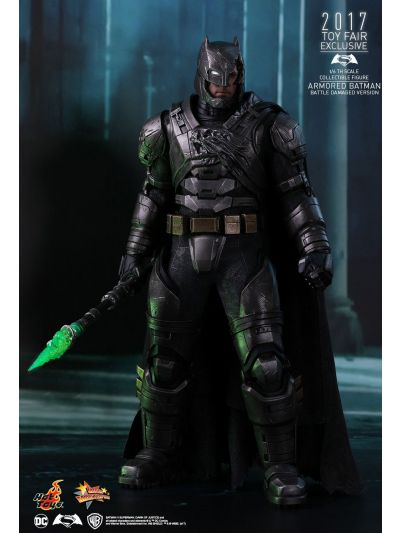 Hot Toys Batman vs Superman - Armored Batman (Battle-Damaged Exclusive Version) - MMS417